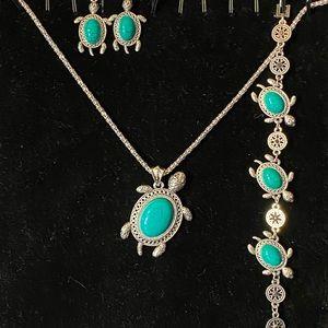 Gorgeous Silver & BlueGreen Turtle Necklace Set!